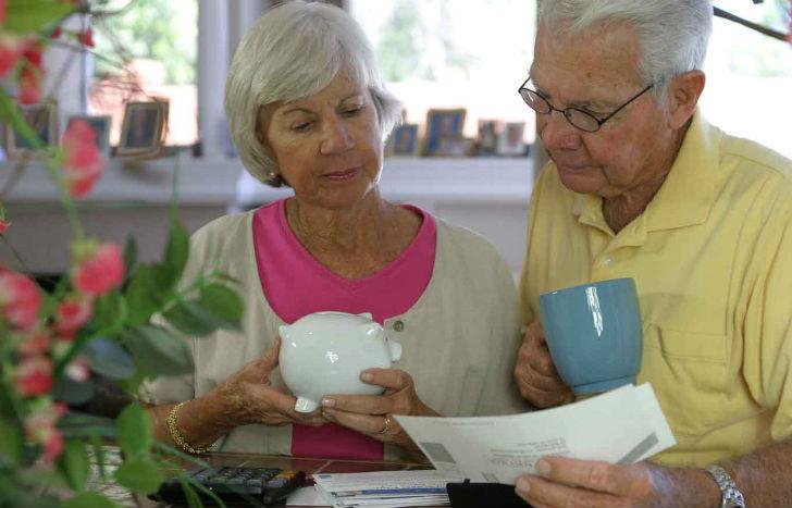 как пенсионеру взять ипотеку