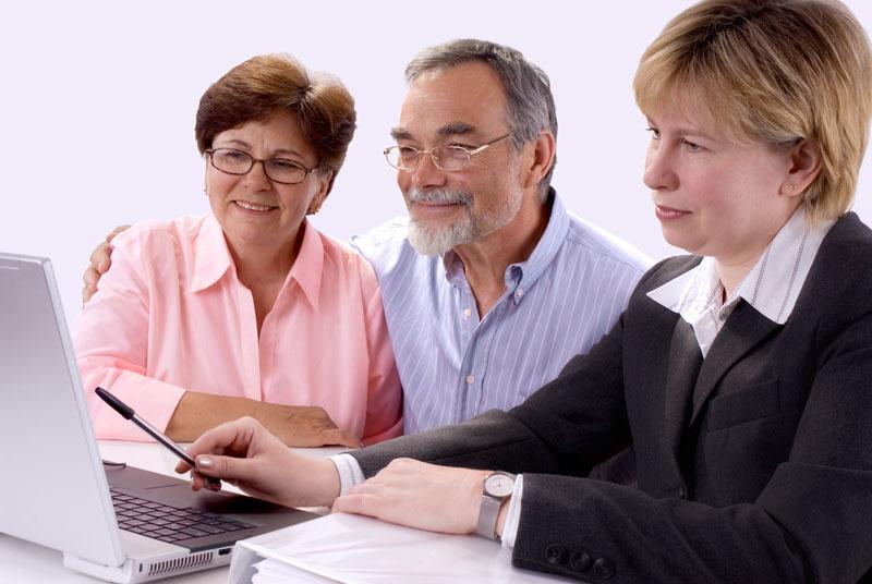 Как и где взять кредит пенсионеру