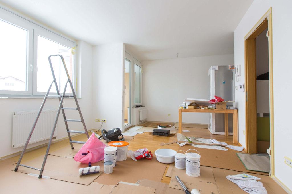 С чего начать ремонт убитой квартиры