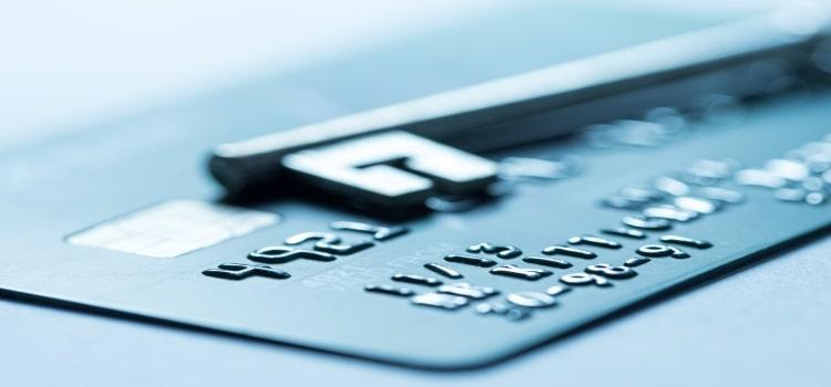 Как закрыть банковскую карту правильно